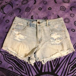 high waisted denim shorts 👽